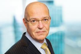 Politiek boos over loonsverhoging ABN, Zalm in de verdediging