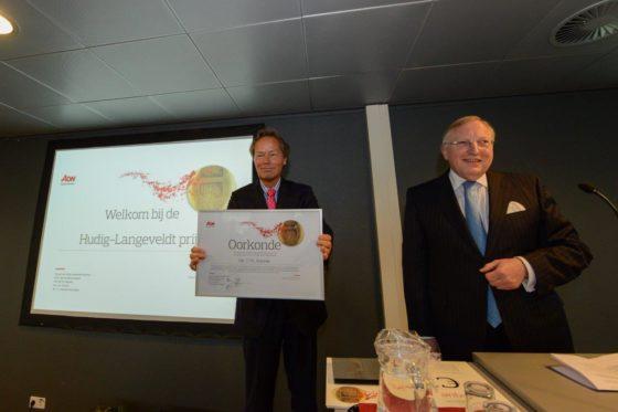 Theo Kremer ontvangt Hudig-Langeveldt prijs 2015