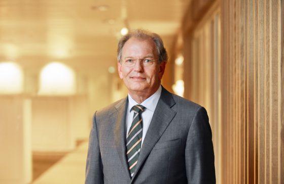 Dekker weg als voorzitter rvc Rabobank