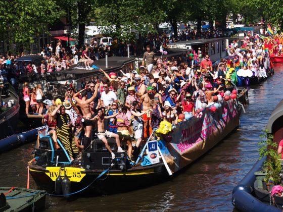 DNB, Rabo, ING en Ditzo varen mee in botenparade Gay Pride
