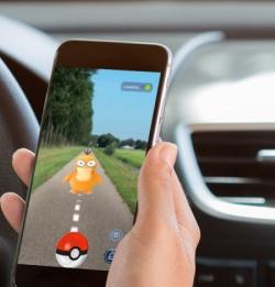 Allsecur: '10% speelt Pokémon achter stuur'