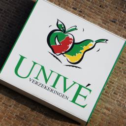 Beste 50 schadebedrijven met Univé naar sc Heerenveen