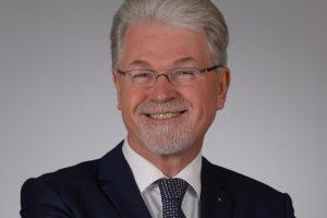 Wim Heeres legt voorzittershamer Adfiz neer