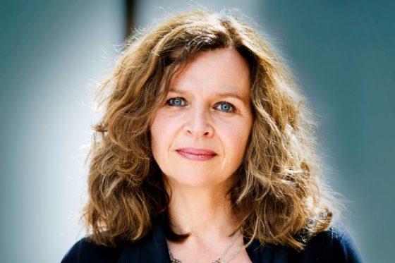 Minister Schippers (Volksgezondheid): 'Gratis brillen zijn misleidend'