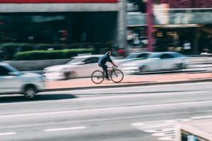 Jeugd ruilt scooter in voor e-bike, maar voert ze op