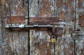 Voordeur makkelijk doelwit voor inbrekers