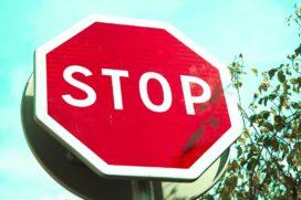 Opzetclausule onduidelijk: regres op man die beveiliger aanreed mislukt