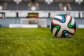 Schippers over zelfverrijkende Oranje-fanclub: 'Bestuurders moeten verantwoording afleggen'