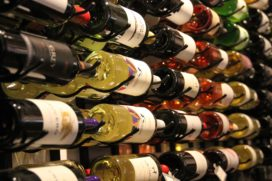 Zwitserleven gaat gepensioneerden golf- en wijnarrangementen aanbieden