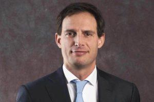 Minister ziet af van driedeling onafhankelijke, zelfstandige en verkoopadviseur