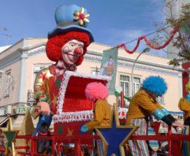 Duizend praalwagenpolissen rijden mee in carnavalsoptocht