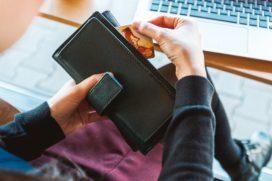 Nibud: 'Man tevredener over hoe partner met geld omgaat dan vrouw'