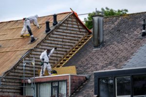 Definitief jaar uitstel voor verbod op asbestdaken