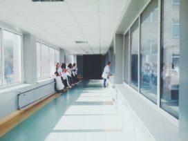 Kifid vindt buikinfectie geen ernstige ziekte; annulering wordt niet vergoed