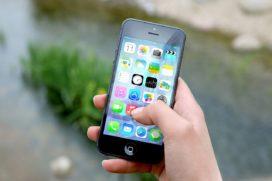 Zorgverzekeraars kwaad over stunts met iPhone in ruil voor restitutiepolis