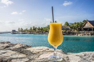 Caribische pensioenadviesfusie Montae en Phenox