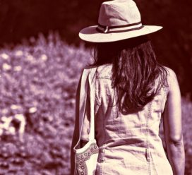 Vrouw niet aansprakelijk voor schoudertas die blijft haken