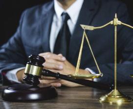 Vloerenlegger wint hoger beroep tegen Reaal om AOV