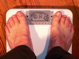 Klant verzweeg torenhoge BMI, maar krijgt toch uitkering uit aov