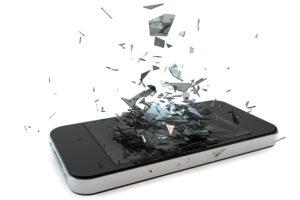 'Verzekeraars streng bij schade aan mobieltje'