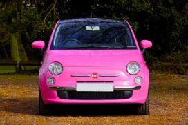 Roze, bruine en crèmekleurige auto's staan het vaakst op het schadeformulier