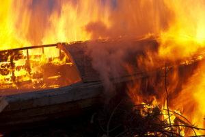 Brandschade inboedel gedekt; booteigenaar moet toch zelf betalen