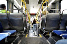 Kifid: In de bus moet tas met laptop op schoot of aan de voeten