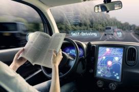 Hof: Mens blijft feitelijk bestuurder zelfrijdende auto, niet de autopilot