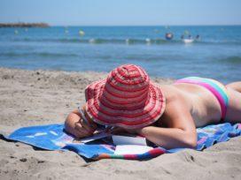 Zakkenrollers verplaatsen werkterrein naar de kust in zomermaanden